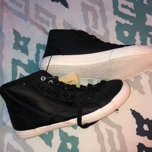 Shoes - Black & White Sneakers
